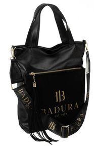 Shopper bag czarny z zamszową kieszenią Badura T_D165CZ_CD. Kolor: czarny. Wzór: aplikacja. Dodatki: z frędzlami, z breloczkiem. Materiał: skórzane