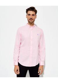 Ralph Lauren - RALPH LAUREN - Różowa koszula z kultowym logo. Typ kołnierza: polo, kołnierzyk klasyczny. Kolor: różowy, wielokolorowy, fioletowy. Materiał: bawełna. Długość rękawa: długi rękaw. Długość: długie. Wzór: haft. Styl: klasyczny