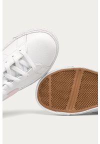 Białe buty sportowe Nike Kids z okrągłym noskiem, z cholewką, na sznurówki