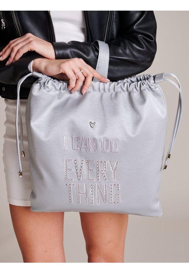 Szary plecak FEMESTAGE Eva Minge z aplikacjami