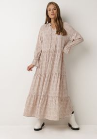 Born2be - Jasnoróżowa Sukienka Physaphaia. Kolor: różowy. Wzór: gładki. Długość: maxi