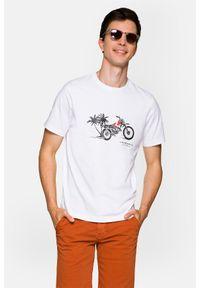 Lancerto - Koszulka Biała Albie. Okazja: na co dzień. Kolor: biały. Materiał: włókno, materiał, bawełna. Wzór: aplikacja, nadruk. Sezon: lato, jesień, wiosna, zima. Styl: klasyczny, casual