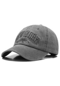 Szara czapka Pako Jeans na lato, z napisami