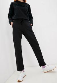 Czarne spodnie dresowe Blauer. Kolor: czarny. Materiał: dresówka