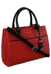 DAVID JONES - Pikowany czerwony kuferek David Jones 6516-3 RED. Kolor: czerwony. Materiał: skórzane. Styl: elegancki