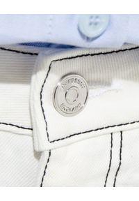 Burberry - BURBERRY - Białe jeansy z kontrastowymi przeszyciami. Kolor: biały