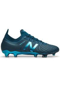 Buty do piłki nożnej New Balance w paski, z paskami