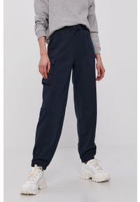 Vero Moda - Spodnie. Kolor: niebieski. Materiał: włókno, materiał