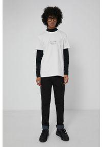 medicine - Medicine - T-shirt bawełniany Wisława Szymborska. Kolor: beżowy. Materiał: bawełna. Wzór: aplikacja