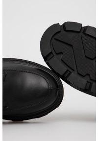 Answear Lab - Półbuty. Nosek buta: okrągły. Zapięcie: sznurówki. Kolor: czarny. Materiał: guma. Obcas: na platformie. Styl: wakacyjny