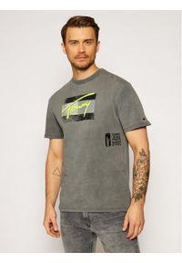 Tommy Jeans T-Shirt Tjm Faded Flag Script DM0DM10224 Szary Relaxed Fit. Kolor: szary