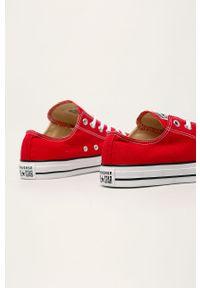 Czerwone niskie trampki Converse z okrągłym noskiem, z cholewką, na sznurówki