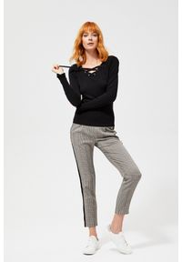 Czarny sweter MOODO klasyczny, długi, z długim rękawem, z klasycznym kołnierzykiem