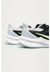 Czarne buty sportowe Nike na sznurówki, z cholewką