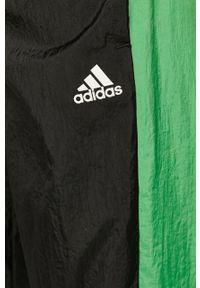 Czarny komplet dresowy adidas Performance z aplikacjami