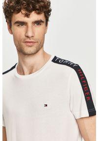 Biały t-shirt TOMMY HILFIGER z aplikacjami, na co dzień, casualowy