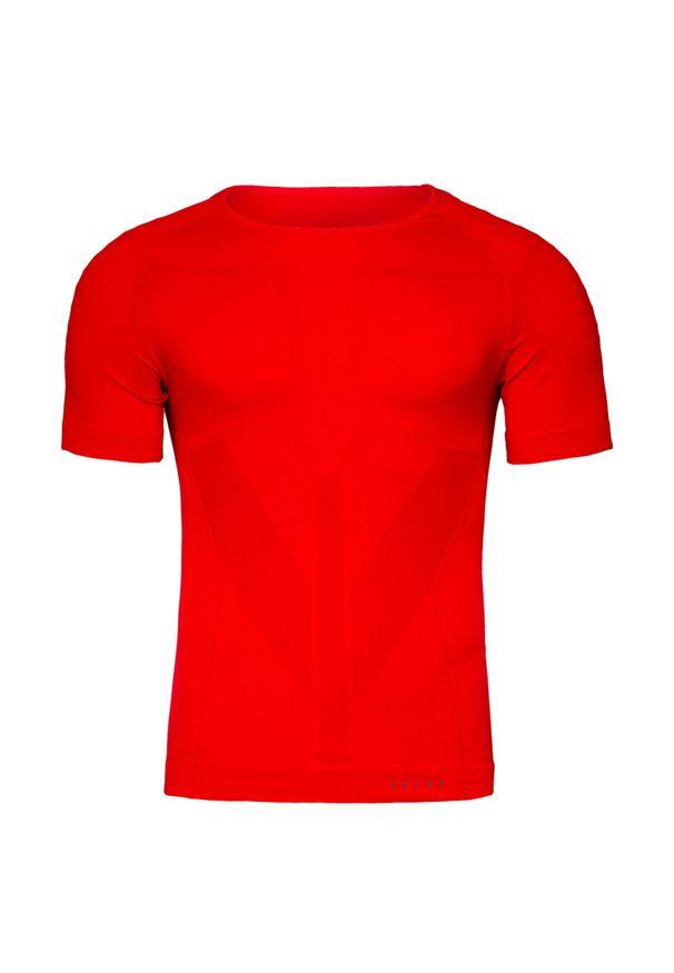 Czerwona koszulka termoaktywna Falke na zimę