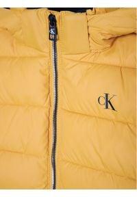 Calvin Klein Jeans Kurtka puchowa Essential Puffer IB0IB00557 Żółty Regular Fit. Kolor: żółty. Materiał: puch