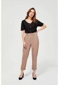 MOODO - Spodnie z marszczoną talią. Stan: podwyższony. Materiał: poliester, wiskoza, guma. Długość: długie. Wzór: gładki