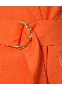 AGGI - Elegancki żakiet z wiązaniem Marina. Okazja: do pracy. Kolor: pomarańczowy. Materiał: wiskoza. Wzór: geometria, aplikacja. Styl: elegancki