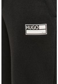 Czarne spodnie dresowe Hugo z nadrukiem #4
