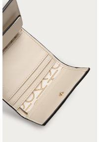 Biały portfel Calvin Klein