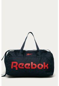 Niebieska torba podróżna Reebok z nadrukiem