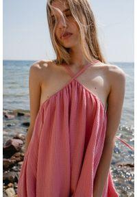 Marsala - Sukienka na cienkich ramiączkach z muślinu bawełnianego w kolorze różowym- MALAGA BY MARSALA. Kolekcja: moda ciążowa. Kolor: różowy. Materiał: bawełna. Długość rękawa: na ramiączkach. Sezon: lato