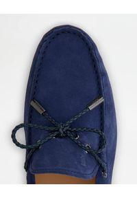 TOD'S - Niebieskie zamszowe mokasyny. Nosek buta: okrągły. Kolor: niebieski. Materiał: zamsz