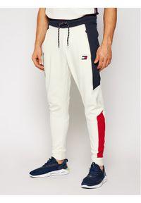 Beżowe spodnie dresowe Tommy Sport