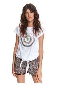 TOP SECRET - T-shirt damski z nadrukiem i wiązaniem. Kolor: biały. Materiał: tkanina, bawełna. Długość rękawa: krótki rękaw. Długość: krótkie. Wzór: nadruk. Sezon: lato. Styl: wakacyjny