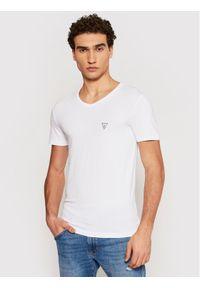Guess T-Shirt U97M01 JR003 Biały Slim Fit. Kolor: biały