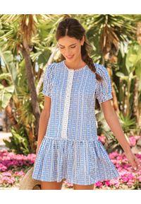 MOTIVE&MORE - Błękitna sukienka Trixie. Kolor: niebieski. Materiał: tkanina, koronka, bawełna, materiał. Długość rękawa: krótki rękaw. Wzór: haft, aplikacja, koronka. Sezon: lato. Długość: mini
