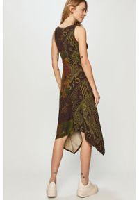 Sukienka Desigual bez rękawów, midi, casualowa