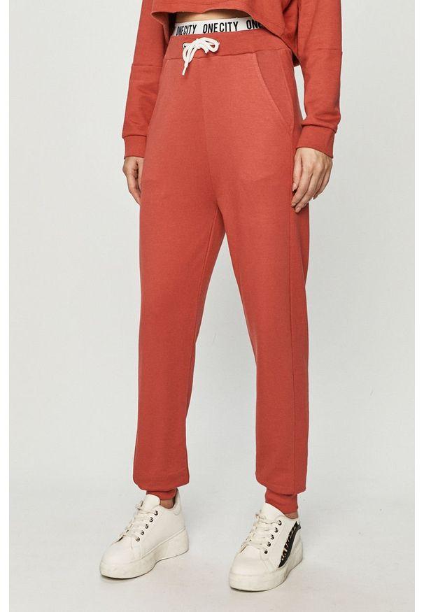 Spodnie dresowe only z nadrukiem
