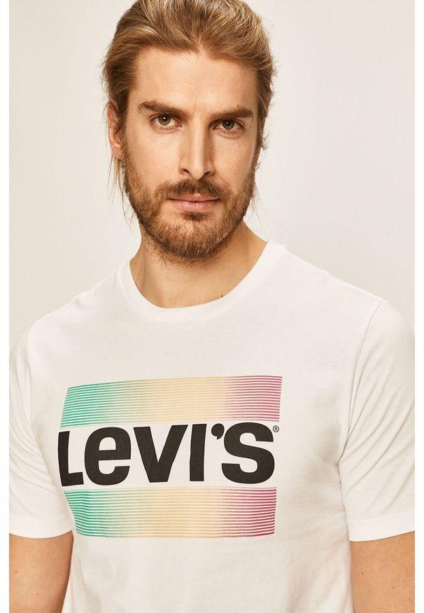 Biały t-shirt Levi's® biznesowy, w kolorowe wzory, na spotkanie biznesowe, z okrągłym kołnierzem