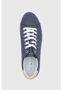 TOMMY HILFIGER - Tommy Hilfiger - Tenisówki. Nosek buta: okrągły. Zapięcie: sznurówki. Kolor: niebieski. Materiał: guma