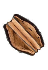 Wittchen - Kuferek z ozdobnym łańcuszkiem. Kolor: czarny. Wzór: aplikacja. Materiał: skórzane. Styl: klasyczny, elegancki, rockowy