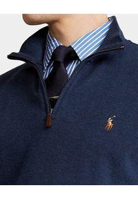 Ralph Lauren - RALPH LAUREN - Granatowa bluzka z wysokim kołnierzem. Typ kołnierza: polo. Kolor: niebieski. Materiał: bawełna. Długość rękawa: długi rękaw. Długość: długie. Styl: klasyczny