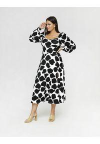 Sukienka w kształcie A, z nadrukiem