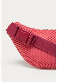 Różowa nerka adidas Originals z aplikacjami