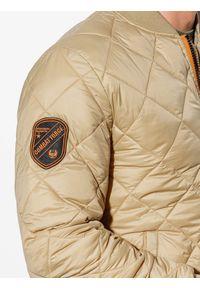 Beżowa kurtka Ombre Clothing ze stójką, moro, na wiosnę