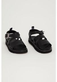 Karl Lagerfeld - Sandały skórzane. Zapięcie: klamry. Kolor: czarny. Materiał: skóra. Obcas: na obcasie. Wysokość obcasa: niski