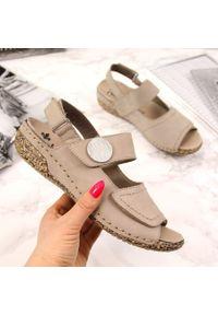 Beżowe sandały Rieker