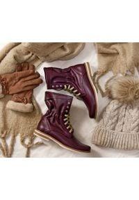 Zapato - sznurowane botki na płaskiej podeszwie - skóra naturalna - model 424 - kolor bordowy. Okazja: na spacer. Wysokość cholewki: za kostkę. Kolor: czerwony. Materiał: skóra. Obcas: na płaskiej podeszwie. Styl: sportowy