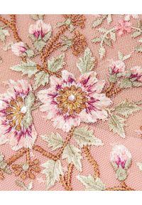 NEEDLE & THREAD - Sukienka z kwiatowym haftem Lilian Rose. Kolor: różowy, wielokolorowy, fioletowy. Materiał: tiul. Długość rękawa: długi rękaw. Wzór: haft, kwiaty