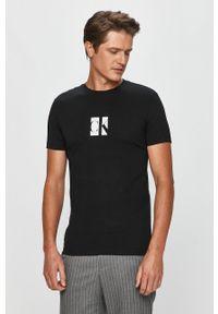 Czarny t-shirt Calvin Klein Jeans z okrągłym kołnierzem, z nadrukiem