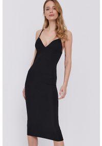 BARDOT - Bardot - Sukienka. Kolor: czarny. Materiał: dzianina. Długość rękawa: na ramiączkach. Wzór: gładki. Typ sukienki: dopasowane