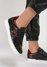 Renee - Czarne Sneakersy Citrine. Kolor: czarny