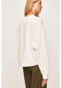 Biała bluza Levi's® z okrągłym kołnierzem, z aplikacjami